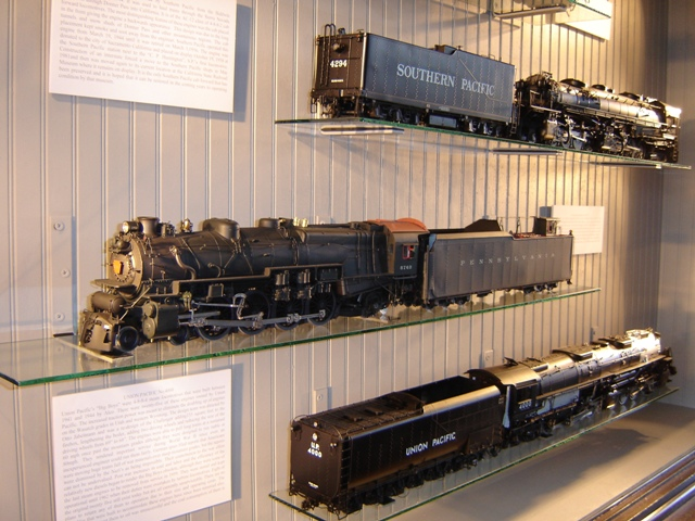 Display of Model Engines at the DeQuincy Railroad Museum